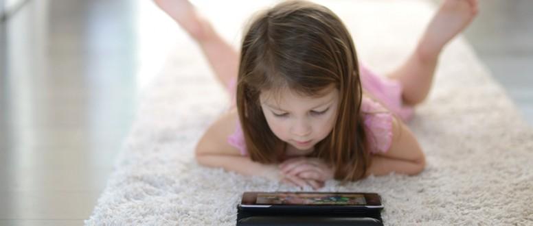 مخاطر الأجهزة التكنولوجية على صحة الأطفال