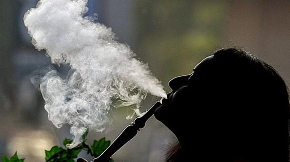 الأرجيلة ليست بديلاً أكثر أماناً عن السجائر