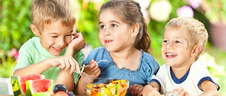 تغذية الطفل حسب سنه