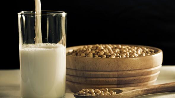 6 فوائد لحليب الصويا