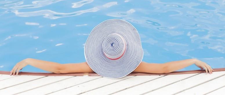 السباحة اثناء الدورة الشهرية