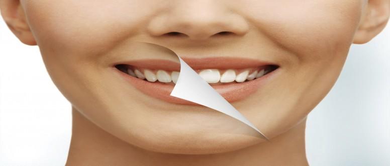 ما الطرق الصحيحة لتبييض الأسنان في المنزل؟
