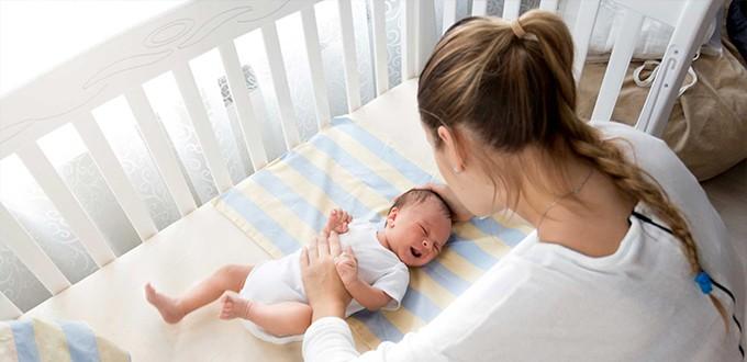 ٤ طرق لتدريب الأطفال على النوم