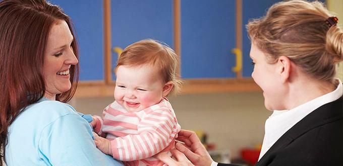 الذهاب الى الحضانة والتعامل مع قلق الانفصال لدى الاطفال