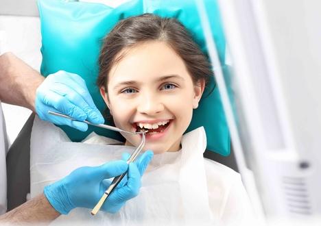 6 طرق لجعل أطفالك يحبون الذهاب لطبيب الاسنان