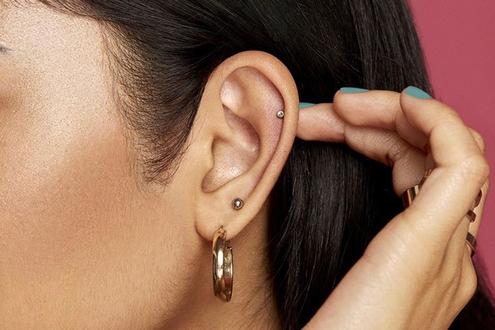 نصائح للعناية بثقب الأذن والأنف